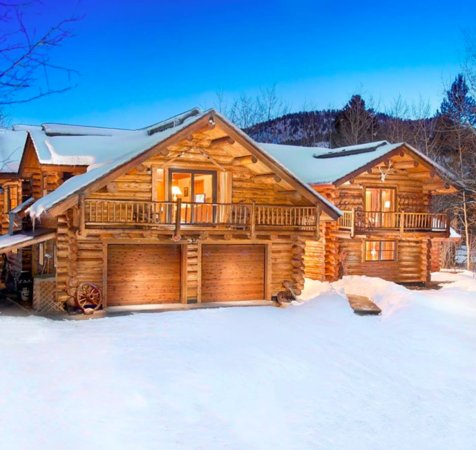 Wilson, WY: A beautiful Log Cabin convenient to Teton Village