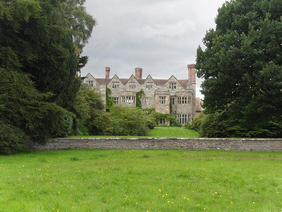 Broseley, UK: Benthall Hall from public footpath