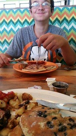 Concord, NH : Gluten free tuna melt & chocolate chip pancakes!
