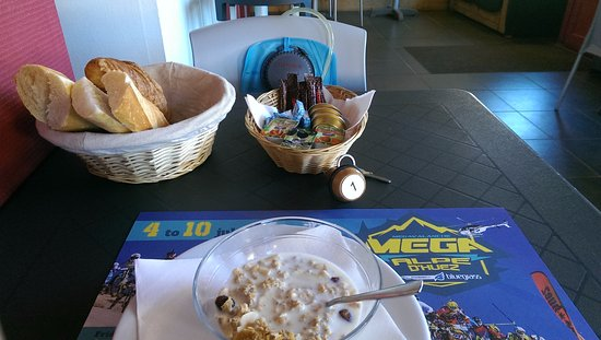 Hotel le Caribou : Most people go for the bed and breakfast option, but the half board meals are fantastic value to