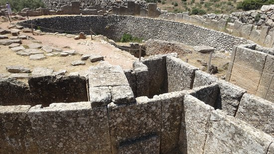 Mycenae, Grecia: Some of the larger ruins