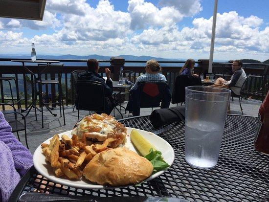 Cliff House Restaurant : Cliff House burger