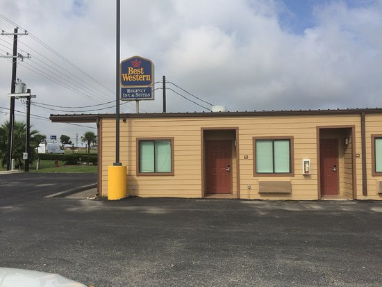 Gonzales, TX: Check in at Best Western Desk(same owner)
