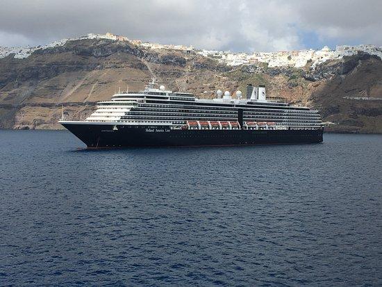 Piraeus, اليونان: leaving Santorini on Blue Star Ferry...next stop Naxos
