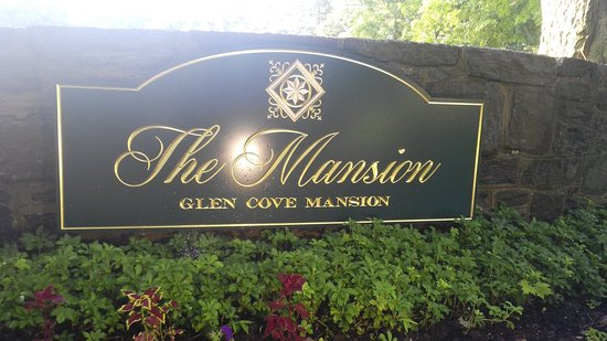 Glen Cove Mansion and Conference Center: GC entrance