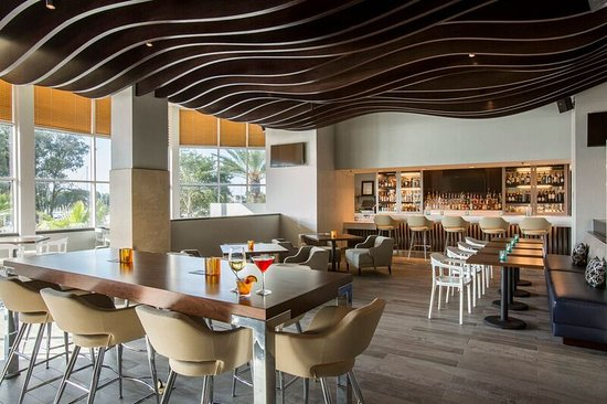 South Shore Harbour Resort and Conference Center: Lighthouse Bar & Bistro