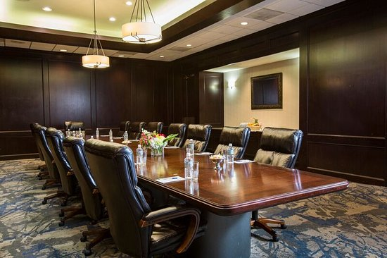 League City, TX: Boardroom
