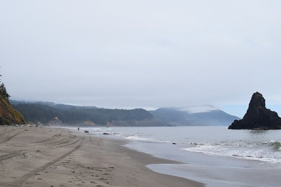 Port Orford, OR: Stroll along the beach
