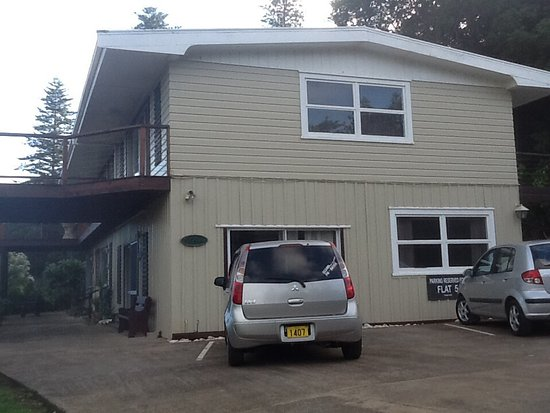Norfolk Island, Australien: Unit building, 4 units and owners accommodation top floor