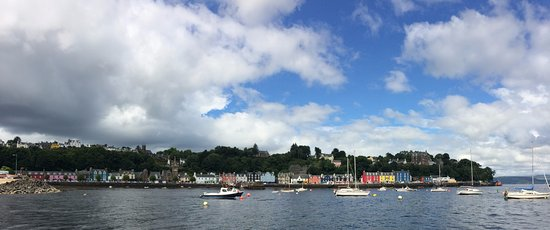 Craignure, UK: Tobermory, Small port town