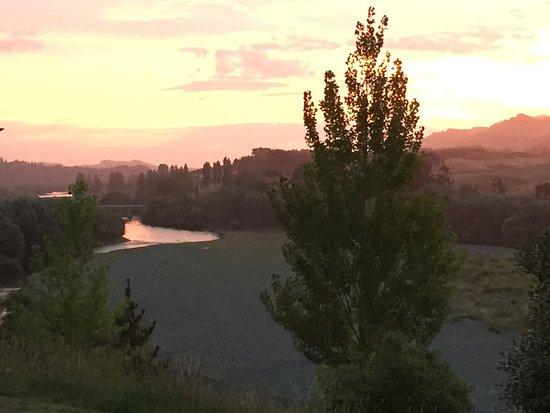 Havelock North, Новая Зеландия: View at sunset