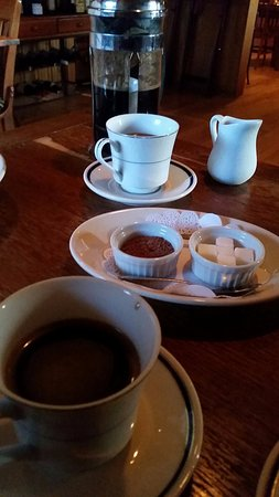 La Petite Maison : Coffee service to end the meal!