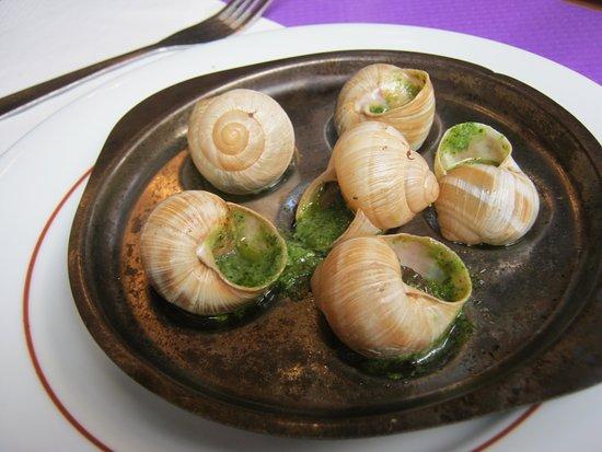Latin Quarter: Com escargots! Tipicamente parisiense.
