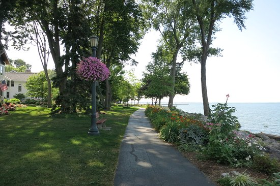 Lakeside, OH: Walking/Biking Path