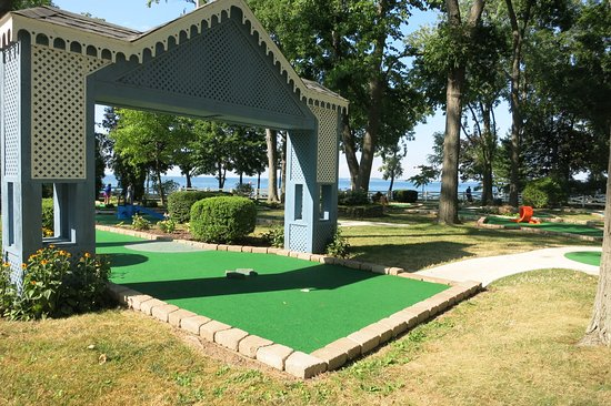 Lakeside, OH: Mini Golf