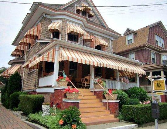 Saltwood House: Jackson Street view...