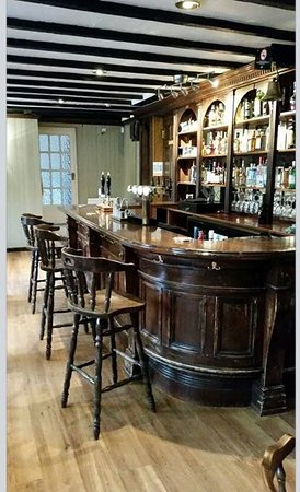Chirnside, UK: bar interior