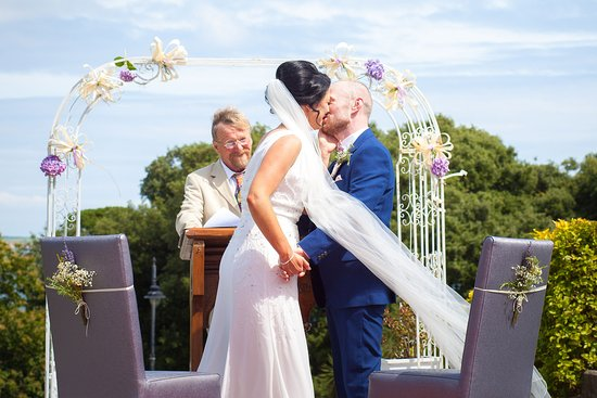 Dunmore East, Irland: wonderful ceremony views