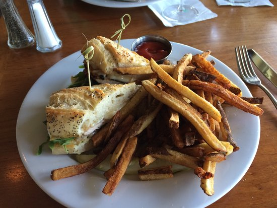 Union, WA: Chicken Sandwich with Brie and Fries