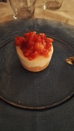 Le Murelle: dessert cheesecake aux fraises