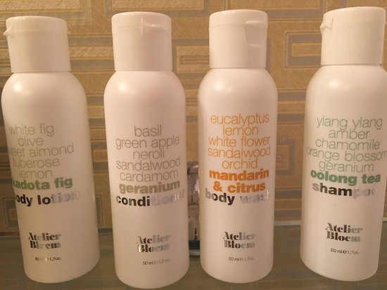 Toiletries in bathroom - Picture of Kimpton Hotel Monaco Chicago ...