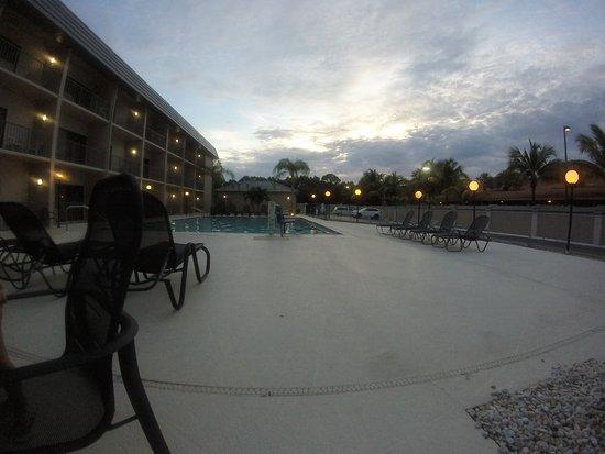 Comfort Inn Bonita Springs: FOTO DE LA PILETA