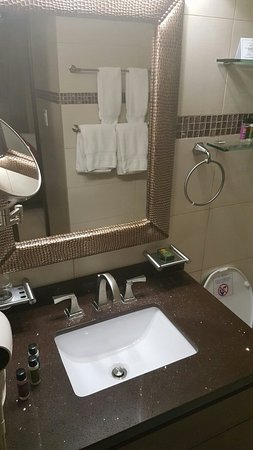 Simpson Bay Resort & Marina: 20160722_190638_large.jpg