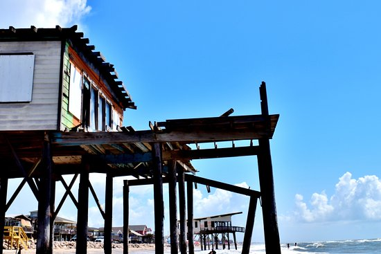 Surfside Beach, TX: As you can see, odd placement for these 2 houses