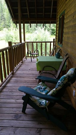 Lumby, Canada: One of the sitting areas at our cabin