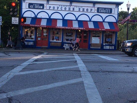 Chagrin Falls, OH: Popcorn Shop Factory