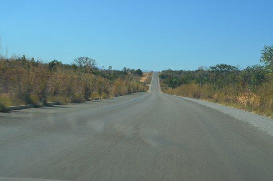 Padre Bernardo: Saindo de Brasília é 100% asfalto.