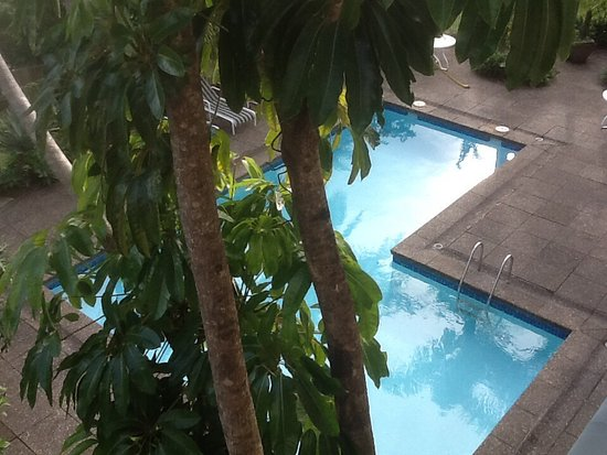 Flames International Hotel: Inviting pool