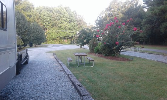 Fayetteville RV Resort & Cottages: overflow sites