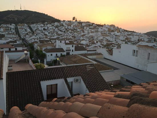Academia Pradoventura - Day Classes : Prado el Rey at sunset