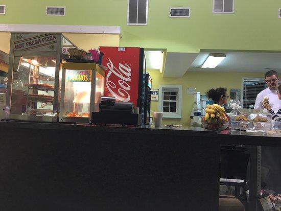 Ocean Isle Beach, Carolina del Norte: Breakers Pizza Grill & Arcade