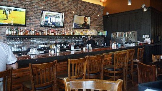 อาร์โรโย แกรนด์, แคลิฟอร์เนีย: Rooster Creek Tavern
