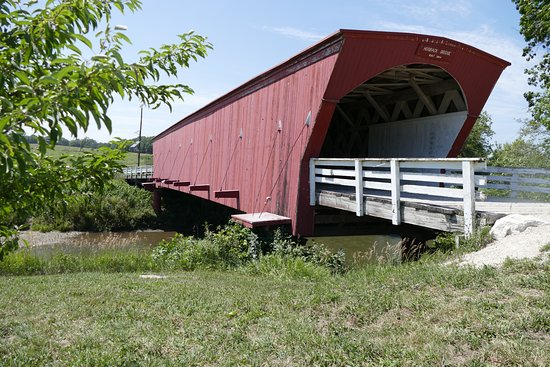 Winterset, IA: Hogback Bridge