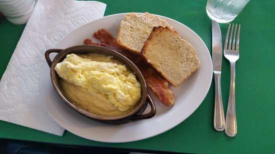 Marfa, TX: Pat's Plate with grits, eggs, bacon & beer bread