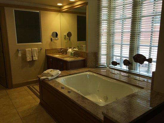 Park Plaza at Beaver Creek: Master Bathroom, Whirlpool tub, Ultimate