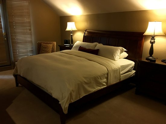 Park Plaza at Beaver Creek: Master Bedroom, Ultimate comfort
