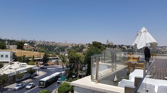 Dan Boutique Jerusalem: view of Old City from terrace