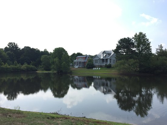 Pisgah, AL: Homes within the grounds