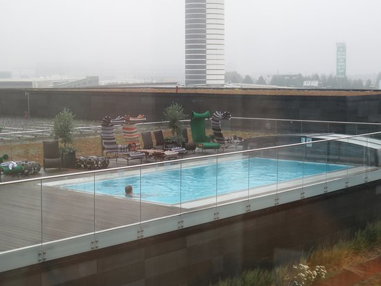 Clarion Hotel Arlanda Airport : Outdoor pool from room