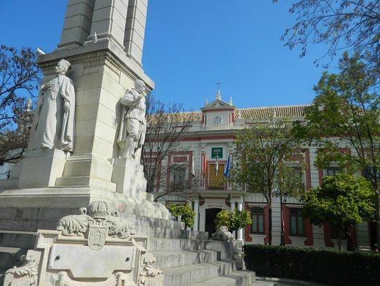 Casas Baratas En Sevilla Y Provincia Of Monumento A La Inmaculada Concepci N Y La Casa De La