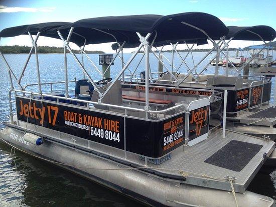 Noosaville, Australia: Pontoon BBQ Boats