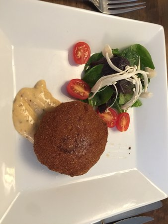 ‪‪Port Elgin‬, كندا: shrimp crab cake with salad‬