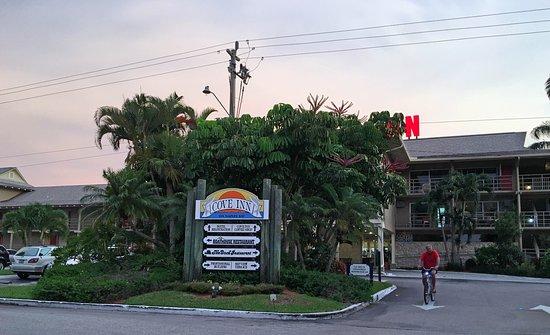 Cove Inn on Naples Bay: The Cove Inn of Naples
