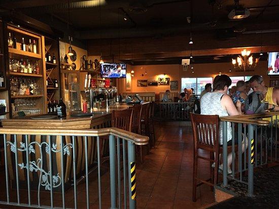 Оливер, Канада: The bar area.