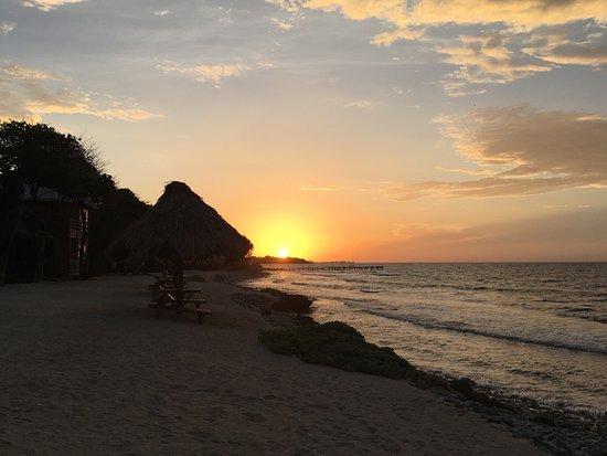 Utopia Village: 5:25 am before a sunrise shore dive.