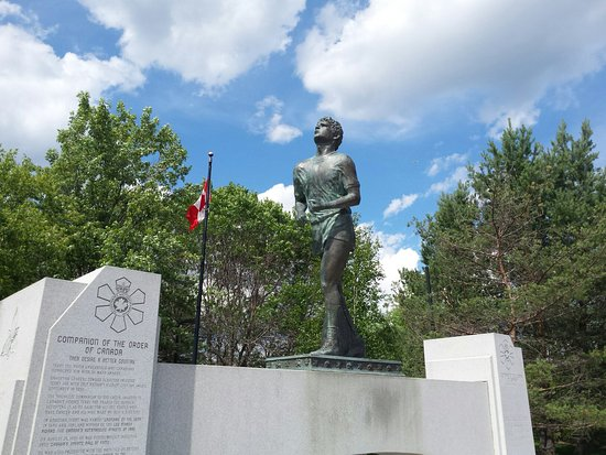 Terry Fox Monument : 20160726_160655_large.jpg